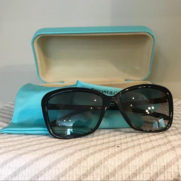 3ac912f750f9 Tiffany   Co. Black Sunglasses 100% authentic. M 5bafd005de6f62248a50f18b.  Other Accessories ...